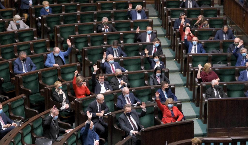 79 proc. Polaków za podniesieniem kwoty wolnej od podatku do 30 tys. zł
